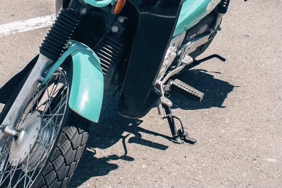 バイクのサイドスタンド